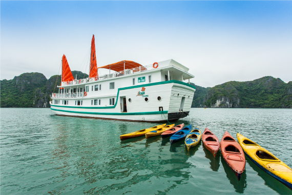 L'Azalée Deluxe Cruises